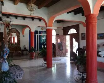 Hotel Hacienda La Puerta De Enmedio - Mascota - Lobby