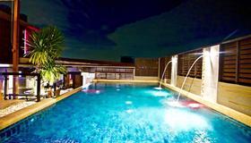 Eurna Resort - Bangkok - Pool