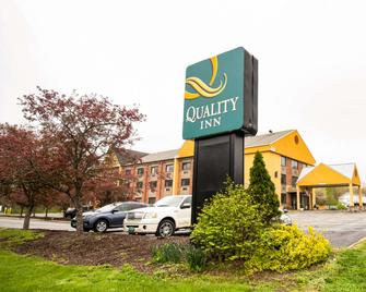Quality Inn Cromwell - Middletown - Cromwell - Building