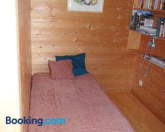 Ferienwohnung Haus Bord - St. Antönien - Bedroom