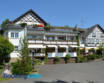Hotel 'Woiler Hof' - Eslohe - Building