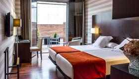 Hotel Zenit Pamplona - Pamplona - Habitació