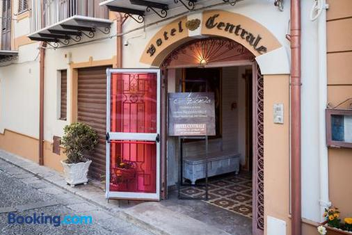 Hotel Centrale - Bagheria - Building