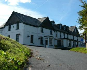 The Forest Inn - Yelverton - Building