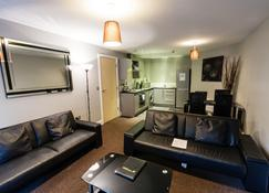 City Warehouse Aparthotel Manchester - Manchester - Living room