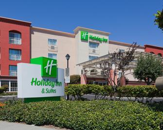 Holiday Inn & Suites San Mateo-San Francisco SFO - San Mateo - Gebäude