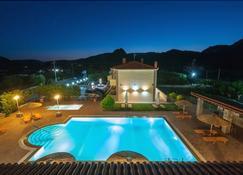 Evgatis Hotel - Myrina - Pool