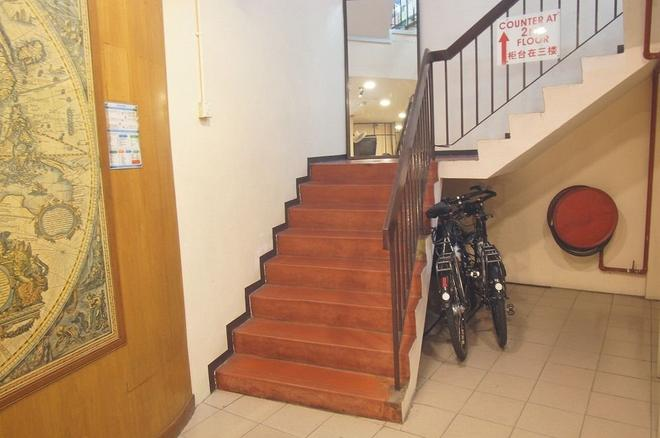 New Rope Walk Hotel - George Town - Stairs