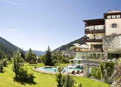 Romantik Hotel Post - Nova Levante - Building