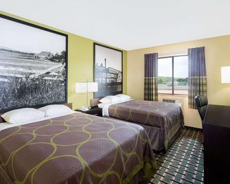 Super 8 by Wyndham Marietta - Marietta - Bedroom