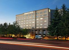 Embassy Suites by Hilton Seattle Tacoma Int'l Airport - Tukwila - Building