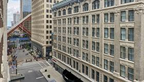 Embassy Suites by Hilton Louisville Downtown - Λούισβιλ - Κτίριο