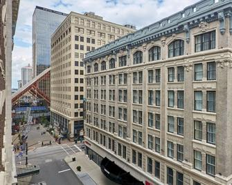 Embassy Suites Louisville Downtown - Louisville - Rakennus