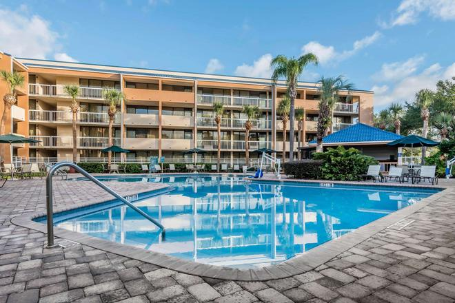 Quality Inn At International Drive - Orlando - Bể bơi