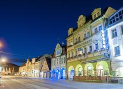 Hotel Labut - Vrchlabi - Edifício