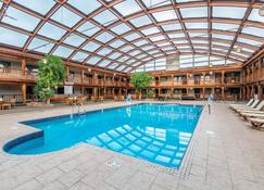 Quality Inn - Wausau - Piscina