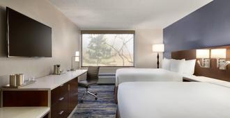Delta Hotels by Marriott Detroit Metro Airport - רומולוס