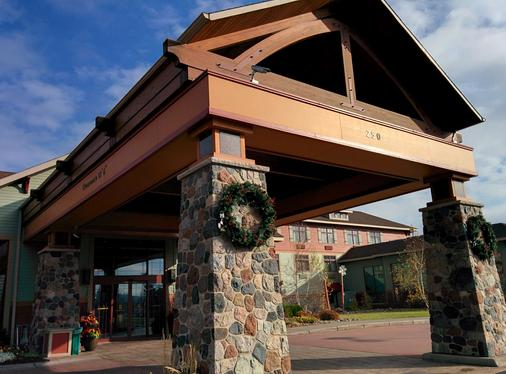 Canal Park Lodge - Duluth - Building