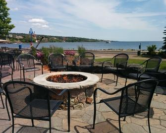 Canal Park Lodge - Duluth - Patio