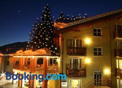Hotel Bella Di Bosco - Male - Building
