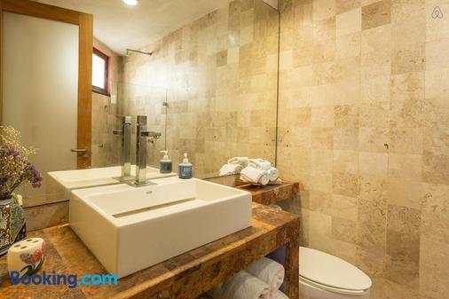 Casa La Columna - Puerto Vallarta - Bathroom