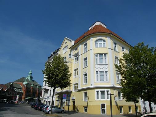 Hotel Stadt Lübeck - Lübeck - Building