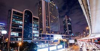 Hotel Equatorial Shanghai - Shangai - Vista del exterior