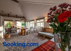 Sambliku Treehouse - Saue - Sala de estar
