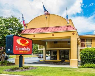 Econo Lodge Inn and Suites at Fort Benning - Columbus - Building