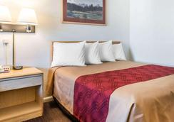 Econo Lodge Downtown - Colorado Springs - Bedroom