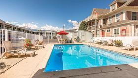 市區伊克諾酒店 - 科羅拉多斯普林斯 - 科羅拉多泉 - 游泳池