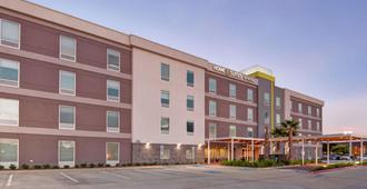 Home2 Suites By Hilton Baytown - Baytown - Building