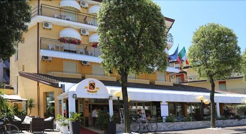 Hotel Berna - Eraclea - Building