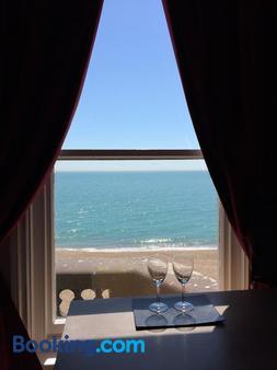 Atlanta Guesthouse - Eastbourne - Balcony