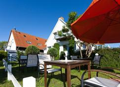Hotel Am See - Ostseebad Baabe - Patio