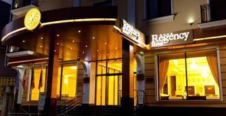 Regency Hotel - Quichinau - Edifício