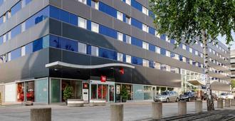 Ibis Zurich City West - Zurich - Building