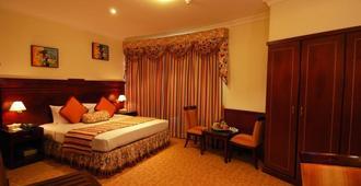Ramee California Hotel - מאנאמה