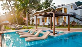 Acron Waterfront Resort - Baga - Pool