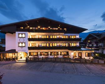 Hotel Zum Pinzger - Stumm - Gebäude