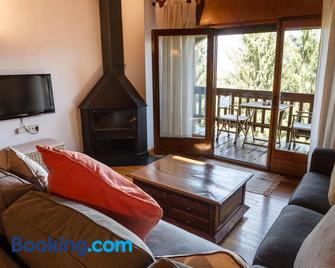 La cabana dels Isards - Alp - Living room