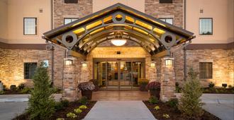 Staybridge Suites Omaha West - Omaha - Building