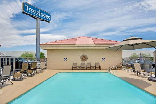 Travelodge by Wyndham Las Vegas Airport No/Near The Strip - Las Vegas - Pool