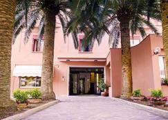 هوتل بالم - مونتيروسو ال مار - مبنى