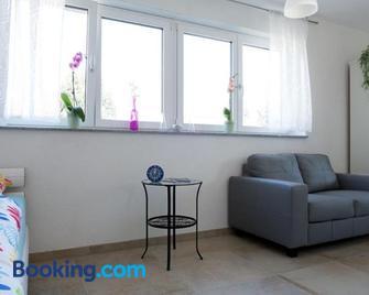 Ferienwohnungen Herzle - Bad Krozingen - Living room