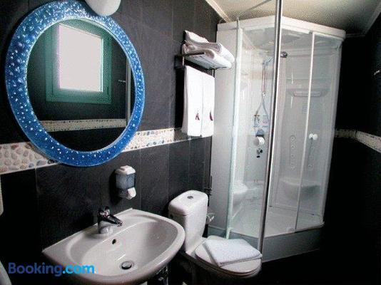 Alfa Hotel - Piraeus - Bathroom