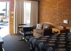 Town And Country Motor Inn - Tamworth - Bedroom