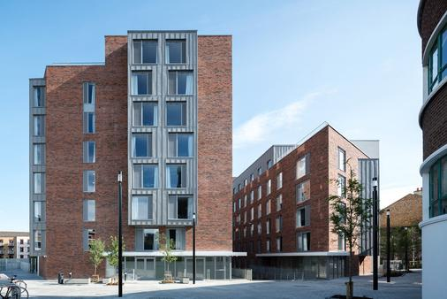 Aparto - Binary Hub - Campus Accommodation - Dublin - Building