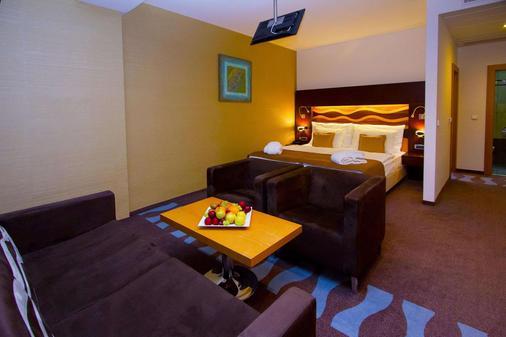 Hotel Danubia Gate - Bratislava - Bedroom