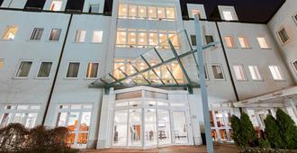 Dormero Hotel Dresden Airport - Dresden - Building